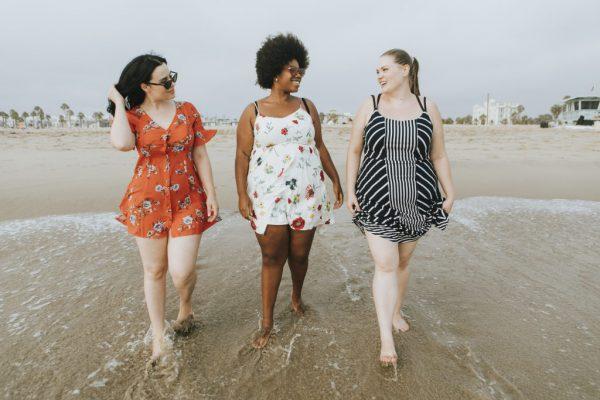 zdrowa-waga-dzień-zdrowej-wagi-kobiet-kocham-swoje-ciało-zdrowie-w-każdym-rozmiarze-1024x683